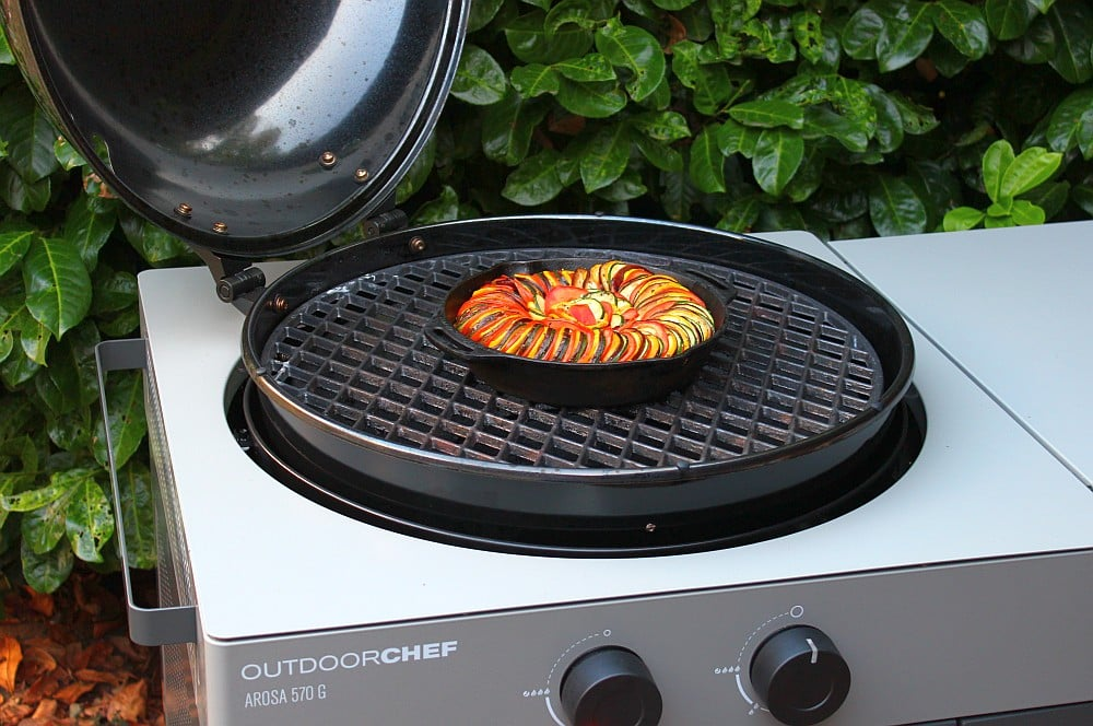 Das Ratatouille wird bei 200°C für 40-50 Minuten indirekt gegart ratatouille-Ratatouille 05-Ratatouille – Geschmorte französische Gemüsepfanne