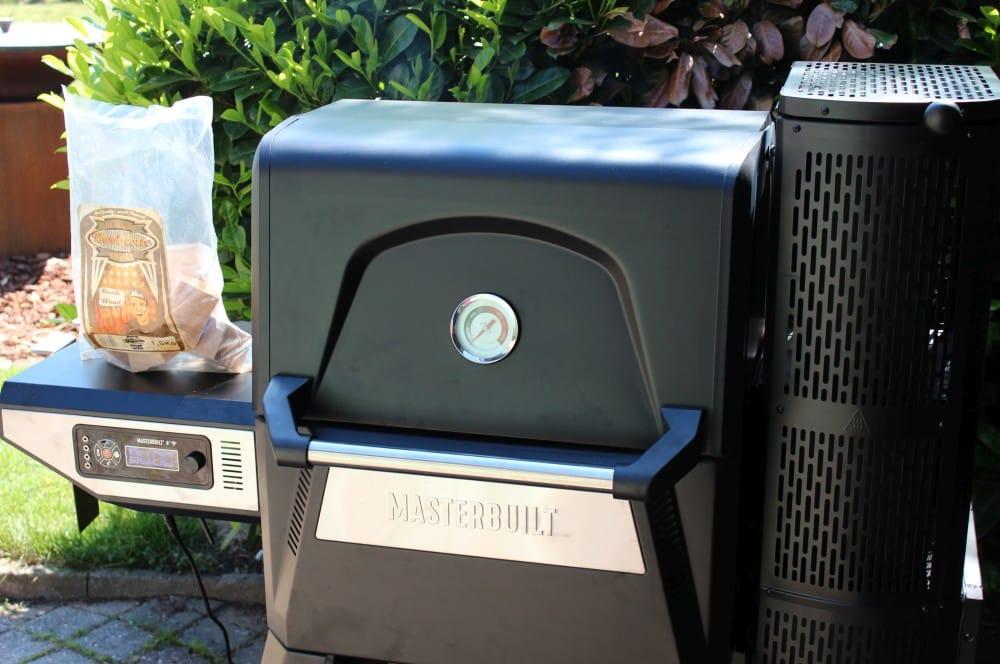 Räuchern mit Chips ist problemlos möglich masterbuilt gravity series 560-Masterbuilt Gravity Series 560 Smoker Test 08-Masterbuilt Gravity Series 560 Smoker im Test