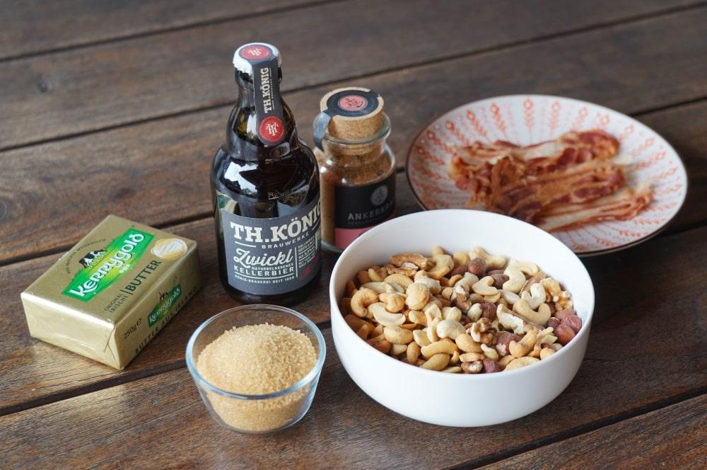 Alle Zutaten für die karamellisierten Nüsse auf einen Blick karamellisierte nüsse-Karamellisierte Bier Nuesse 01-Karamellisierte Nüsse mit Bier & Bacon