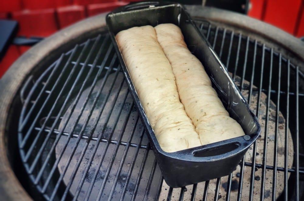 Das Brot wird für ca. 25 Minuten bei 200°C gebacken picknickbrot-Picknickbrot mit Hackfleisch 06-Picknickbrot mit Hackfleisch