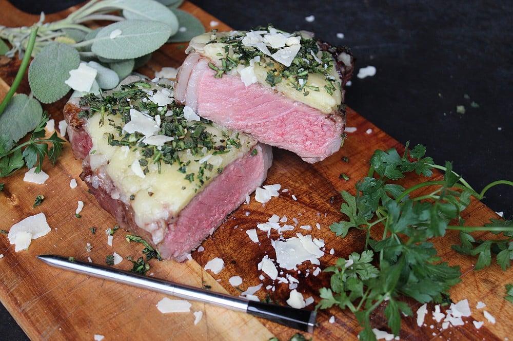 Überbackenes Käse-Kräuter-Steak Überbackenes käse-kräuter-steak-Kaese Kraeuter Steak 06-Überbackenes Käse-Kräuter-Steak