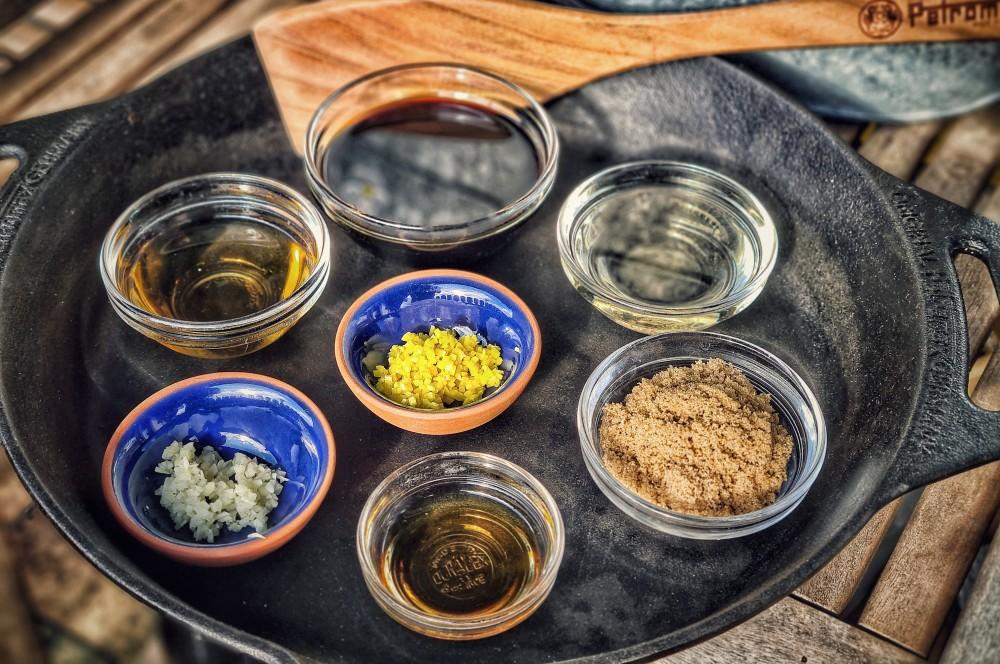 Alle Zutaten für Teriyaki Sauce auf einen Blick teriyaki sauce-Teriyaki Sauce selber machen Rezept 01-Teriyaki Sauce selber machen – einfaches & schnelles Rezept