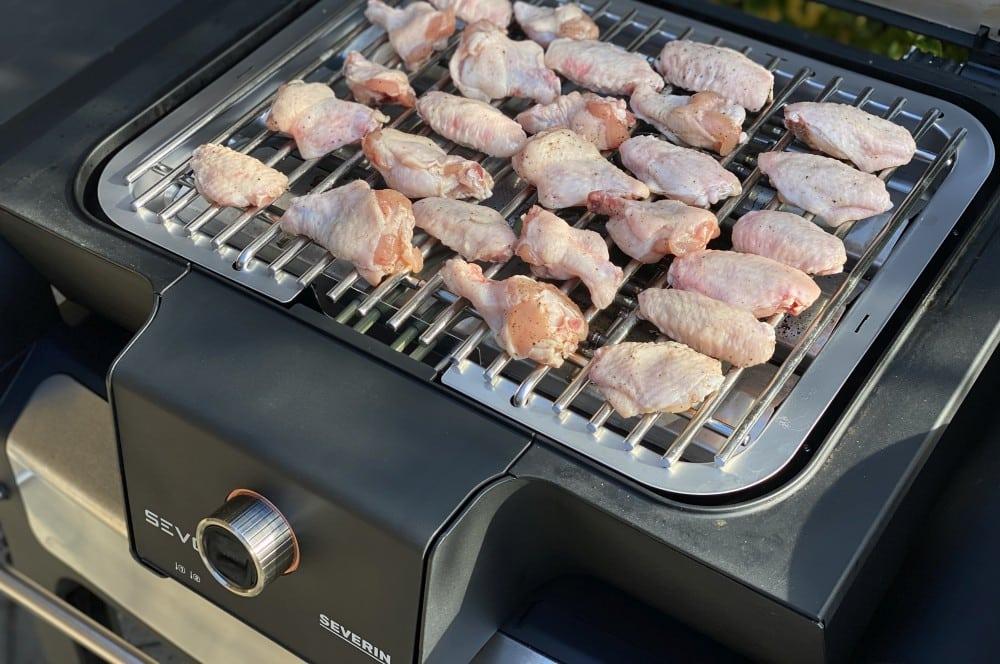 Die Wings werden bei 200°C gegrillt garlic parmesan chicken wings-Garlic Parmesan Wings 03-Garlic Parmesan Chicken Wings – Knoblauch Parmesan Hähnchenflügel