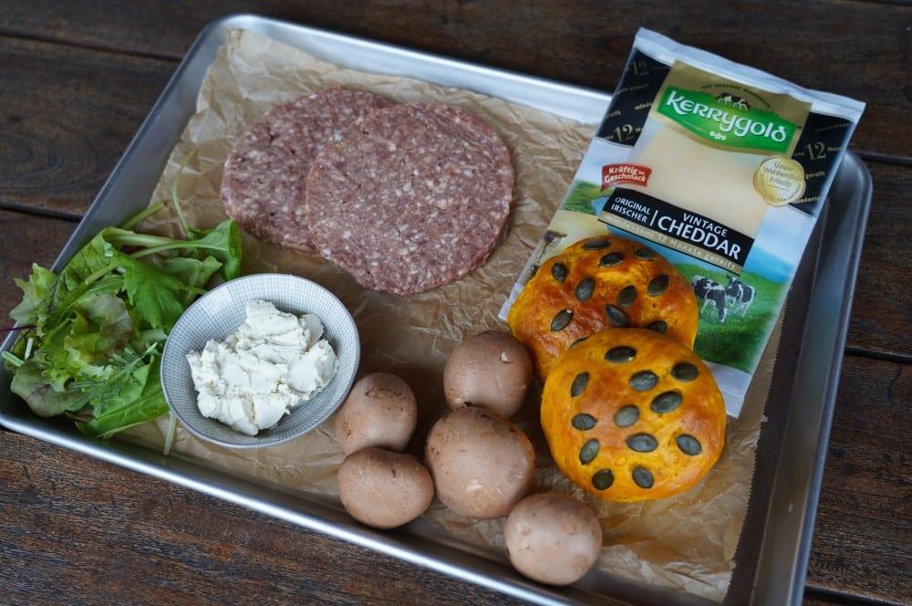 Alle Zutaten für den Wildburger auf einen Blick wildburger-Wildburger Kuerbis Bun 01-Wildburger im Kürbis-Bun