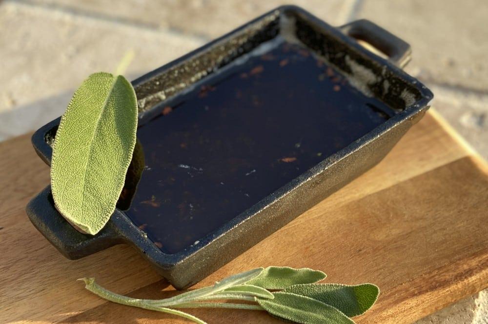 Flüssige Salbeibutter salbeibutter-Salbei Butter 02-Salbeibutter – Würzbutter für Steaks, Pasta und mehr
