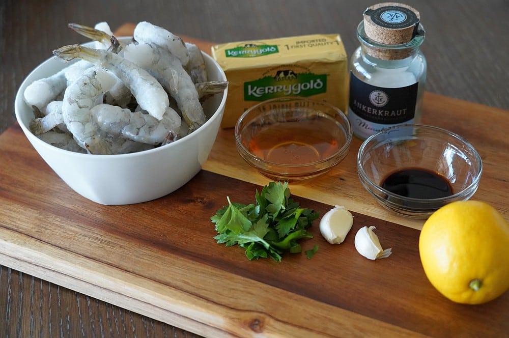 Alle Zutaten für Honey Garlic Shrimps auf einen Blick honey garlic shrimps-Honey Garlic Shrimps Honig Knoblauch Garnelen 01-Honey Garlic Shrimps – Garnelen mit Honig-Knoblauch-Sauce