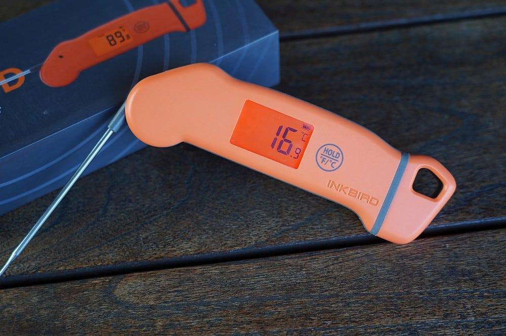 Das Inkbird IHT-1S hat ein beleuchtetes Display inkbird iht-1s-Inkbird IHT 1S Thermometer Test 02-Inkbird IHT-1S Einstichthermometer im Test