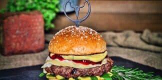 Camembert-Burger mit Preiselbeeren -Camembert Burger Preiselbeeren 324x160-Contact