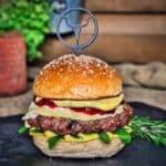 camembert-burger-Camembert Burger Preiselbeeren 06 150x150-Camembert-Burger mit Preiselbeeren