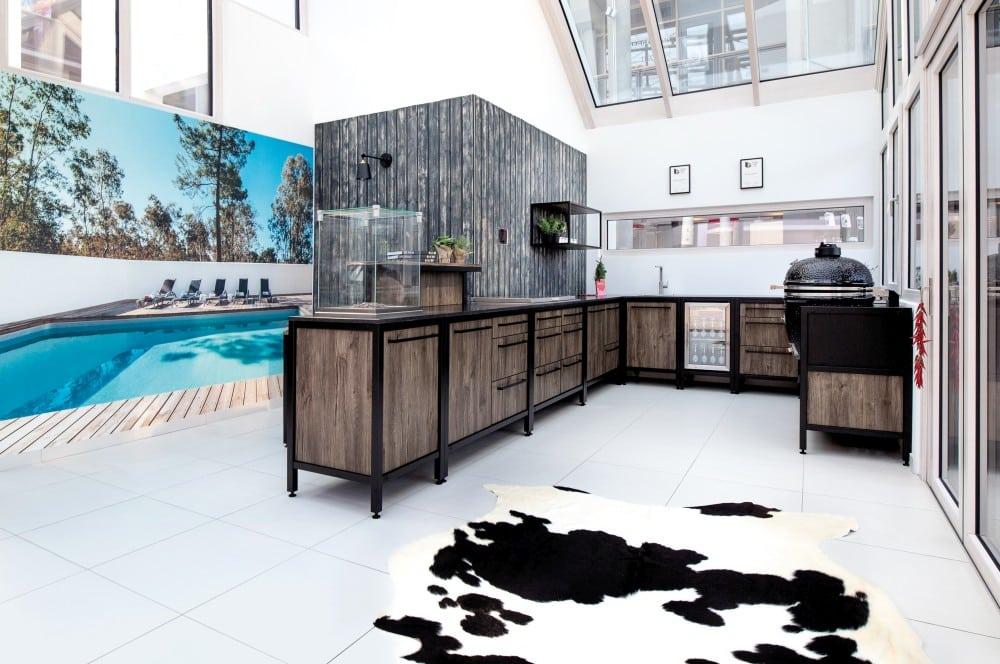 Das schwarze Gestell wird immer beliebter burnout kitchen-Burnout Kitchen Outdoorkuechen 01-Burnout Kitchen – Outdoorküchen der Extraklasse