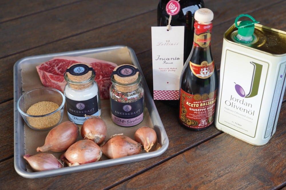 Alle Zutaten für die Rotwein-Schalotten auf einen Blick rotwein-schalotten-Rotweinschalotten 01-Rotwein-Schalotten – Rotweinsauce mit Schalotten