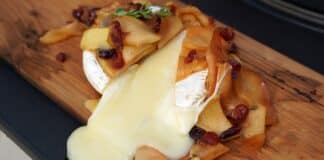 Geplankter Camembert