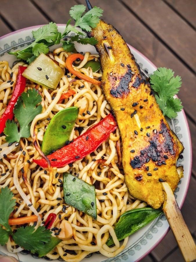 Gebratene Nudeln mit Hühnchenspieß gebratene nudeln-Gebratene Nudeln asiatisch 06-Gebratene Nudeln mit Hühnchen wie vom Asiaten