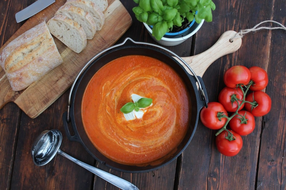 Tomatensuppe aus dem Dutch Oven tomatensuppe-Tomatensuppe 05-Tomatensuppe mit frischen Tomaten – Rezept für eine cremige Suppe tomatensuppe-Tomatensuppe 05-Tomatensuppe mit frischen Tomaten – Rezept für eine cremige Suppe