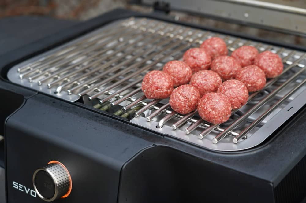 Die Cheeseburger Meatballs werden auf dem Severin SEVO GTS gegrillt cheeseburger meatballs-Cheeseburger Meatballs 04-Cheeseburger Meatballs