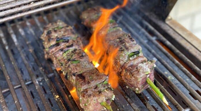 Portugiesische Rindfleischspieße