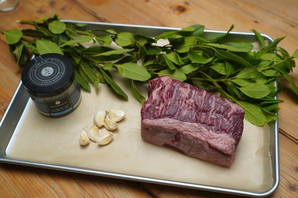 Alle Zutaten für Espetadas auf einen Blick espetadas-Espetadas Portugiesische Rindlfeischspiesse Lorbeer 01-Espetadas – Portugiesische Rindfleischspieße mit Lorbeer