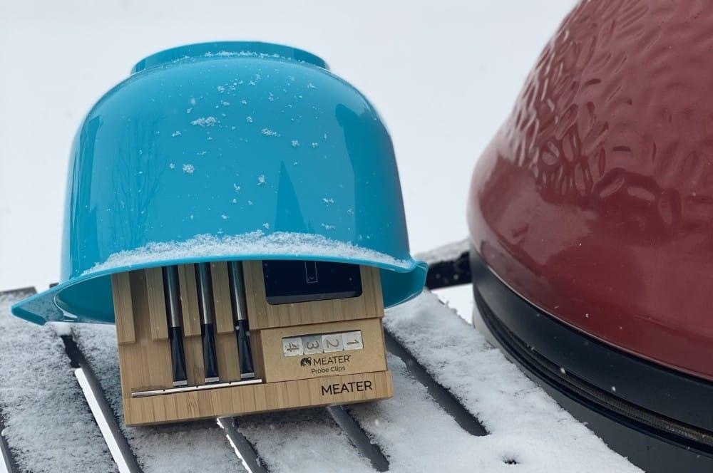 Die Kerntemperatur des Pastramis wird mit dem MEATER Block überwacht hirsch-pastrami-Hirsch Pastrami 08-Hirsch-Pastrami aus der Keule