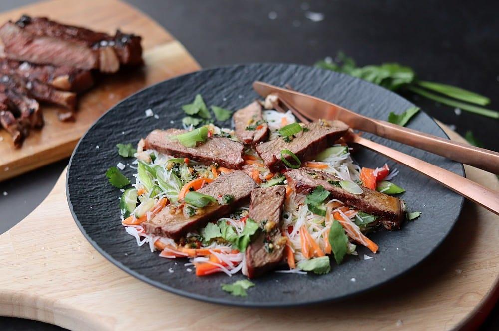 Asiatischer Rindfleischsalat asiatischer rindfleischsalat-Asiatischer Rindfleischsalat 04-Asiatischer Rindfleischsalat