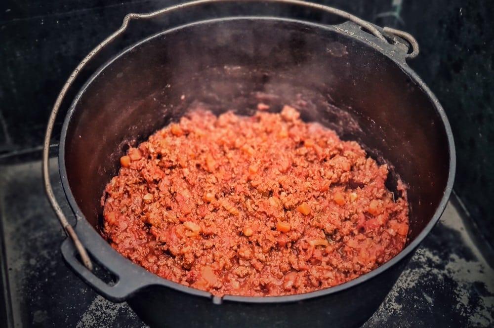 Das Ragù alla Bolognese nach 4,5 Stunden im Dutch Oven ragù alla bolognese-Ragu alle Bolognese Sauce 06-Ragù alla Bolognese – Originalrezept für Bolognese-Sauce