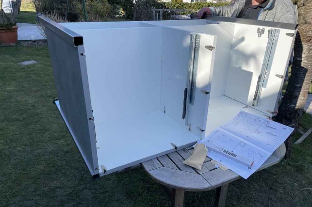Der Aufbau dauert etwa 40-60 Minuten je Schrank der eckat-Der Eckat Moebel fuer Draussen 14-Der Eckat – Möbel für draußen