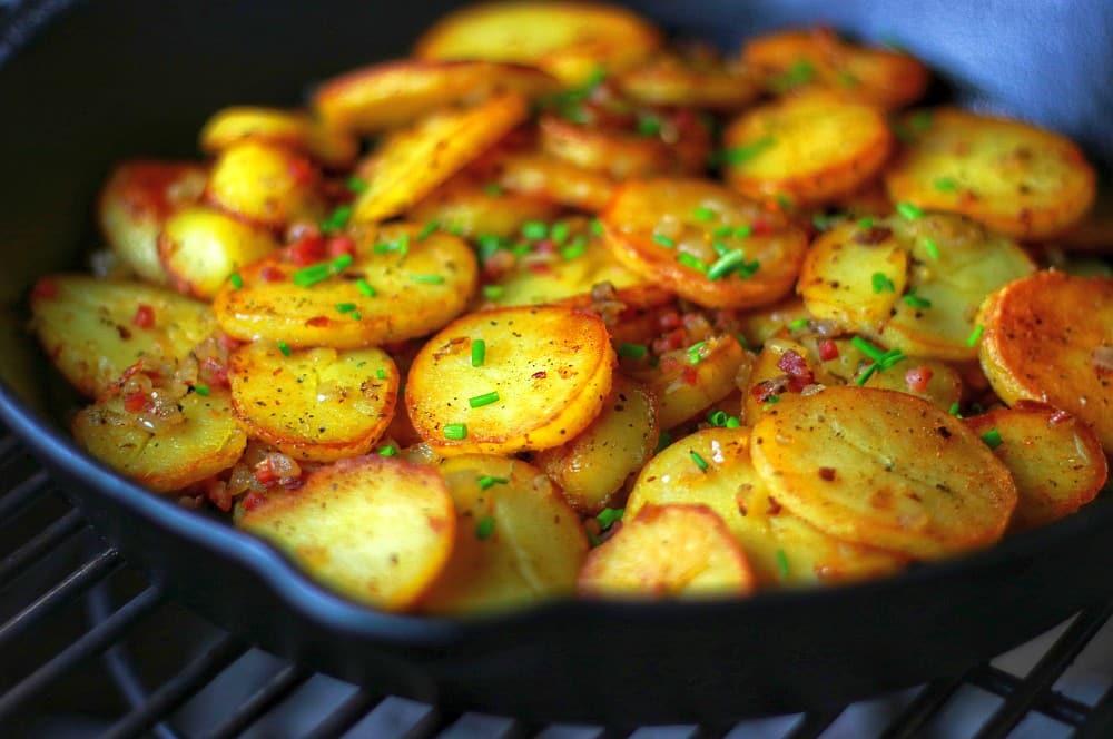 Knusprige Bratkartoffeln aus der Gusspfanne bratkartoffeln-Bratkartoffeln knusprig schnell einfach 05-Bratkartoffeln – knusprig, schnell & einfach zubereiten bratkartoffeln-Bratkartoffeln knusprig schnell einfach 05-Bratkartoffeln – knusprig, schnell & einfach zubereiten