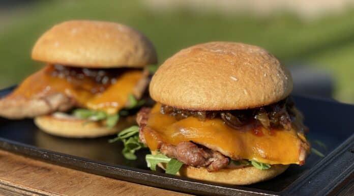 Kachelfleisch-Burger