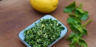 Gremolata mit Petersilie und Zitrone