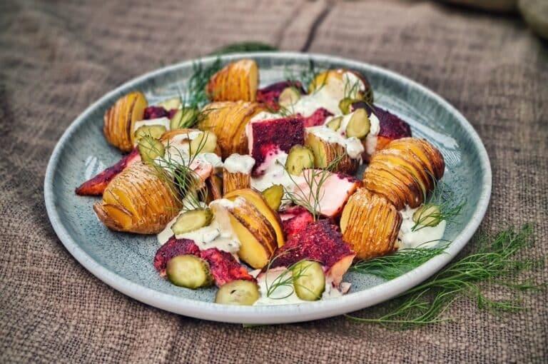 Fächerkartoffel-Salat mit Lachs