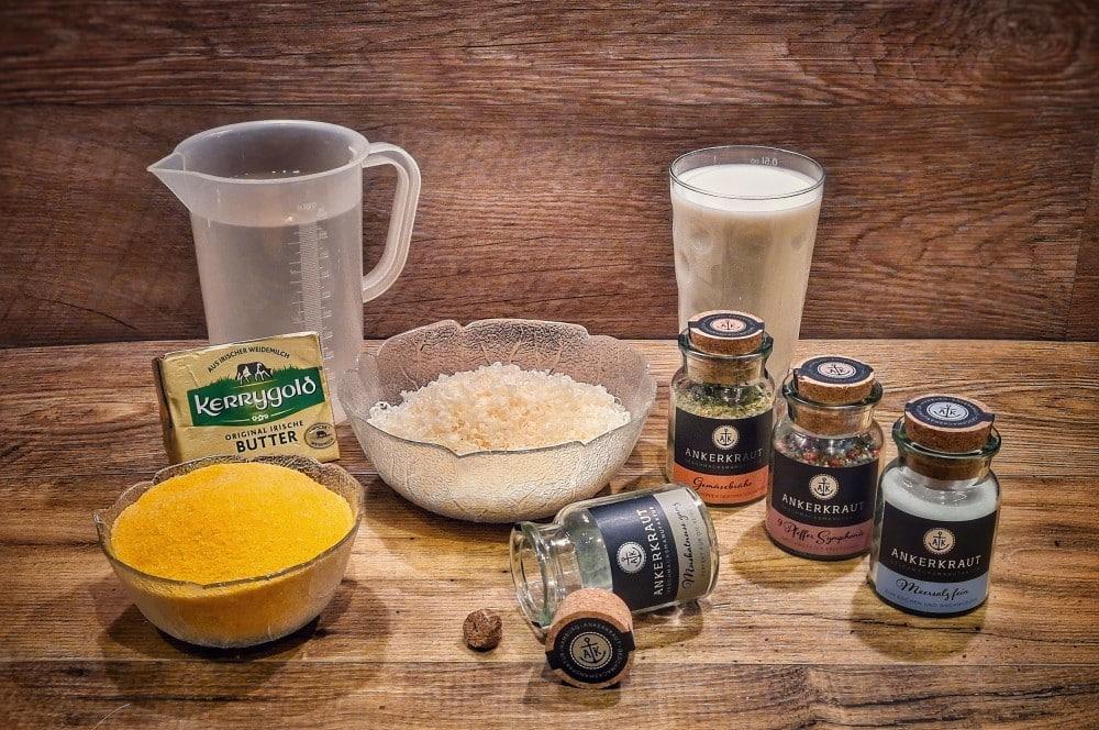 Alle Zutaten für Polenta auf einen Blick polenta-Polenta 01-Polenta – Rezept für den cremigen Brei aus Maisgrieß polenta-Polenta 01-Polenta – Rezept für den cremigen Brei aus Maisgrieß