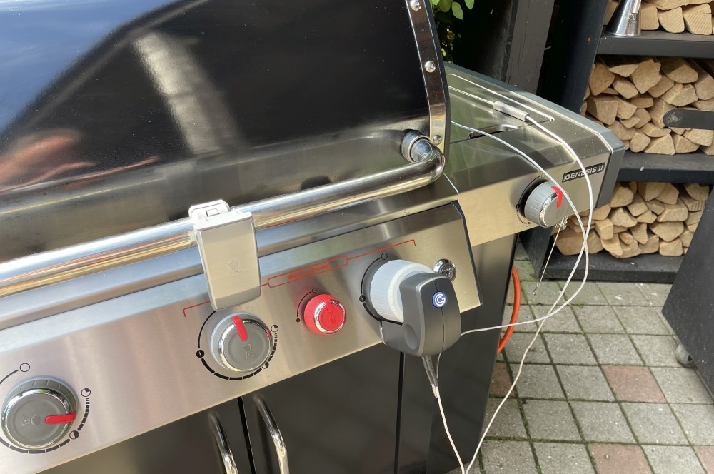 Das Grillfürst Grill Control übernimmt die Steuerung des Gasgrills vollautomatisch grillfürst grill control-Grillfuerst Grillcontrol Test 03-Grillfürst Grill Control  – Die smarte Gasgrill-Steuerung per App