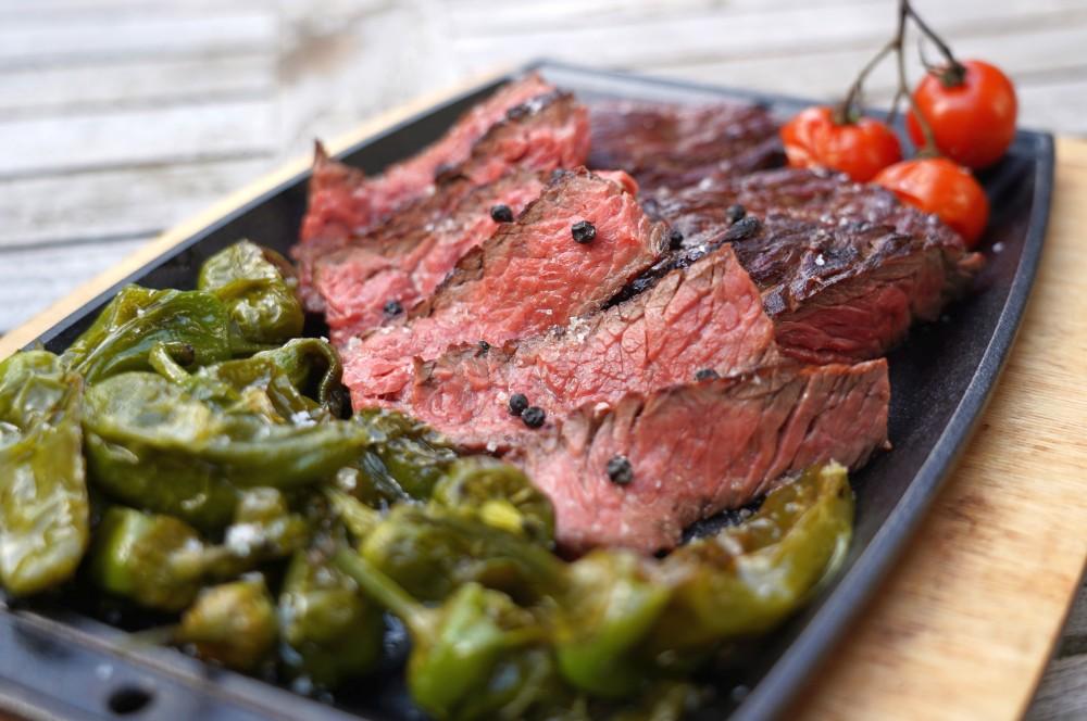 Flap Steak mit Pimientos de Padron flap steak-Flap Steak Meat 05-Flap Steak vom Rind – Tipps und Tricks zur Zubereitung flap steak-Flap Steak Meat 05-Flap Steak vom Rind – Tipps und Tricks zur Zubereitung