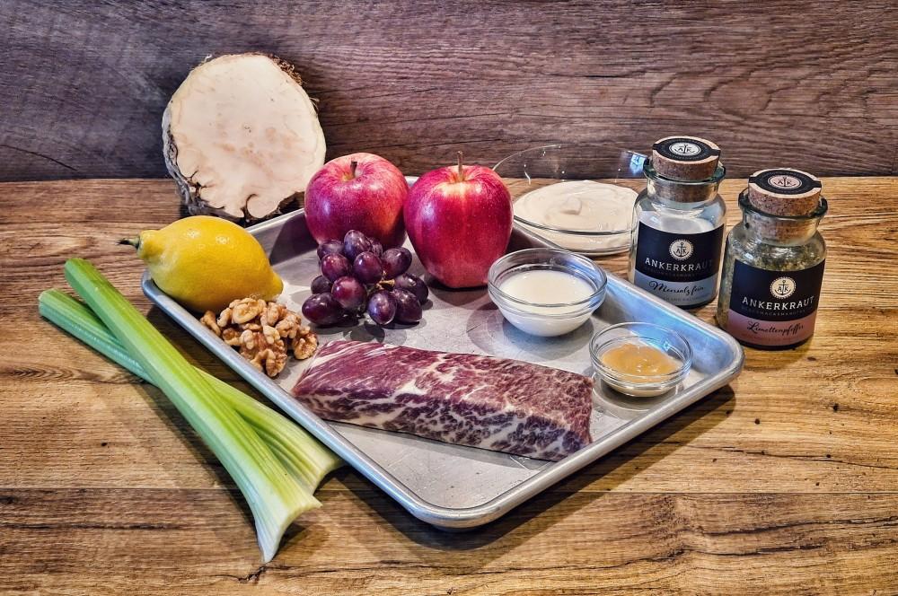 Alle Zutaten für Short Rib Meat und Selleriesalat auf einen Blick short rib meat-Short Rib Meat Selleriesalat 01-Short Rib Meat mit fruchtigem Selleriesalat