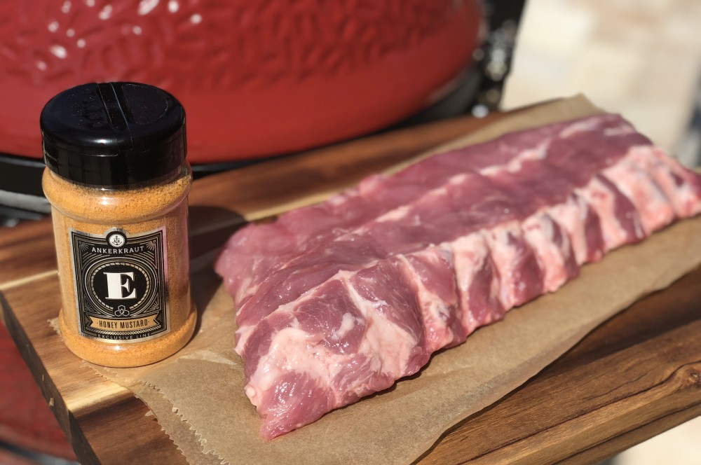 Honey Mustard Rub trifft auf Baby Back Ribs honey mustard ribs-Honey Mustard Ribs 01-Honey Mustard Ribs – Rippchen mit Honig-Senf-Rub und Sauce